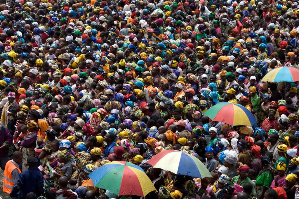 POPULATION MASS WORRIES ECAMA...