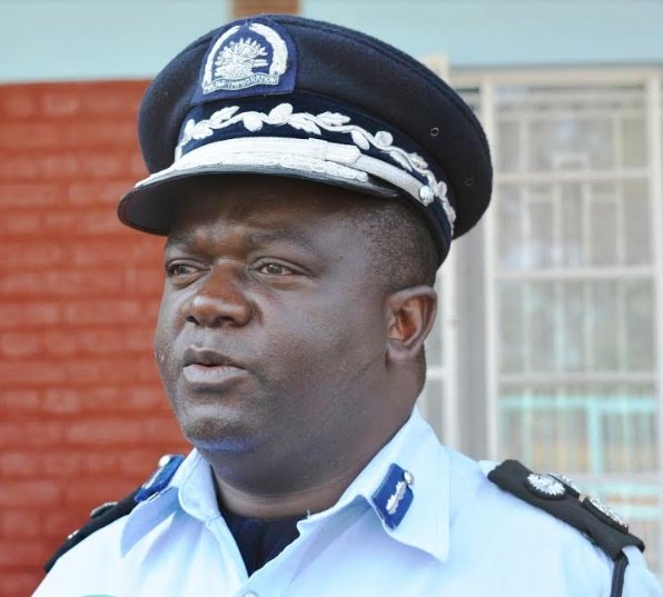 IMMIGRATION OFFICERS WARNED AGAINST CORRUPTION