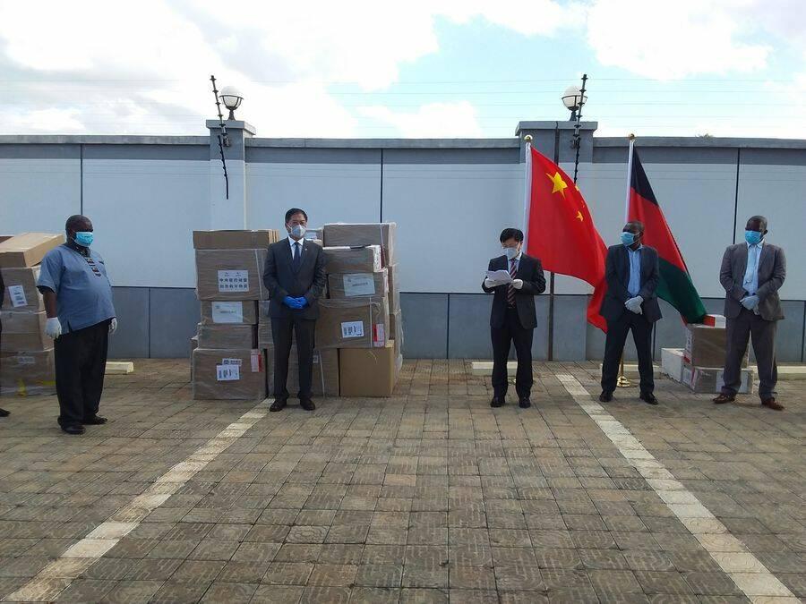 CHINA DONATES 5000 FACEMASKS T...